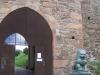 Zwei Löwen bewachen den Eingang zur Burganlage