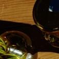 Selbst gemachter aromatischer Essig und Kräuteröle erfreuen  das Herz jeder Gastgeberin