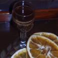 Orangenlikör Zutaten 7 unbehandelte reife Orangen 1 Vanillestange 200 ml Korn 200 ml destilliertes Wasser (in der Apotheke erhältlich) 200 g weißer Kandiszucker 1 Prise Zitronensäure, 1 Zimtstange, 7 Nelken […]