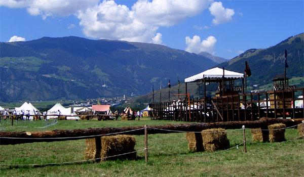Die Ritterspiele in Schluderns im Vinschgau in Südtirol ...